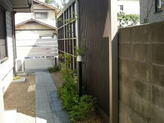 和室前のお庭
