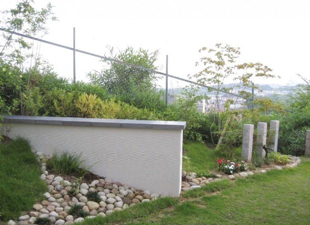 突堤をイメージした花台兼オブジェ