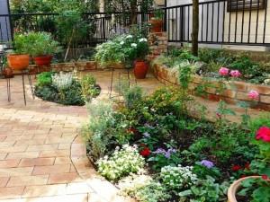 レンガ舗装の庭
