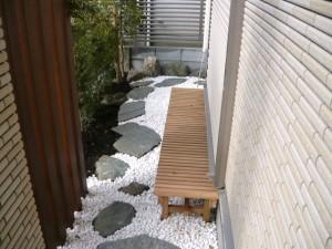 和室前の庭