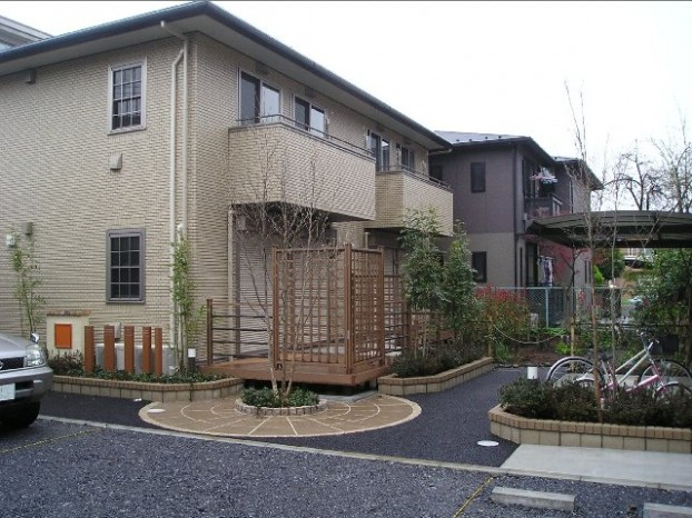 神奈川 家庭菜園とウッドデッキ